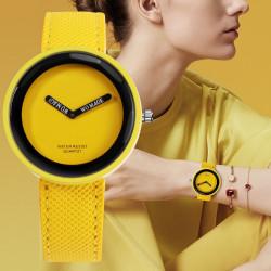 Страхотен цветен дамски часовник с платнена каишка в 10 свежи цвята и стилен минималистичен дизайн който се комбинира чудесно с всеки стил на обличане