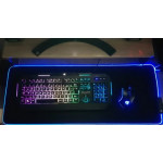 Голяма светеща RGB подложка за мишка с гумиран гръб против приплъзване 78см х 30см със 7 сменящи се цвята и 2 програми