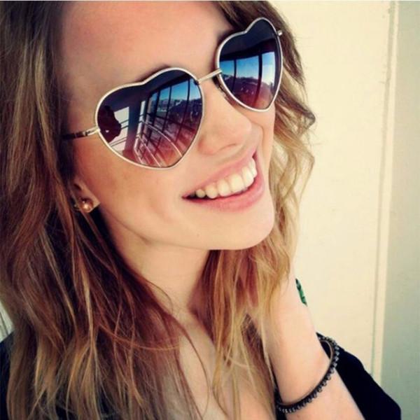 Романтични дамски слънчеви очила във формата на сърце, с избор от 15 различни цвята и преливки