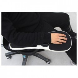 Ергономична удължена подложка за мишка която се закрепва директно за подлакътника на офис стол, пасва на всички форми и размери, качествена и стабилна за работа