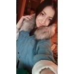 Дамско есенно зимно деним яке бомбър от дънков плат с мека и топла подплата и голямо и богато пухче на качулката