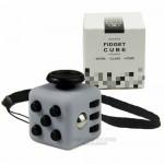 Магически мини пъзел фиджет куб ключодържател в 11 цвята за забавление, стискане и облекчаване на стреса.