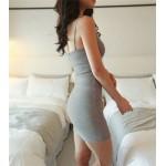 Къса секси рокля с тънки презрамки и гол гръб