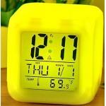 Електронен часовник с LED сменящи се цветове, функция термометър и календар